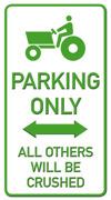 Parking only Traktor