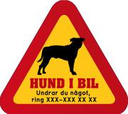 Dekal - Hund i bil med mobilnummer 80