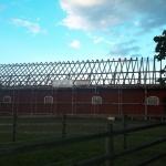 Endast takstolar återstår  och läggning av nytt tak kan påbörjas.
