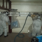 Att sanera asbest med glovebag är en bra metod i exempelvis stora lokaler med mycket isolering.
