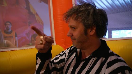 Revents sumo referee dude