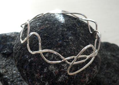 Handgjorda silversmycken av Ulla Werkström på Steningesmycket i Halland