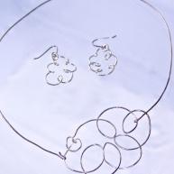 Silversmycken halsband & örhängen 1200kr