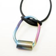 Halsband Titan och gummi 500kr