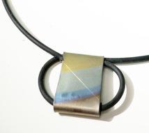Halsband Titan och gummi475kr