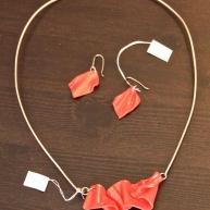 Silverhalsband & örhänge med plexiglas 900kr