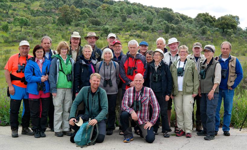 Ressällskapet med våra duktiga guider i mitten, Gottfried och Björn.      Foto: vår busschaufför