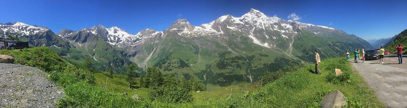 """Den spektakulära """"Hochalpenstrasse"""" vid Grossglockner i de österrikiska Alperna."""