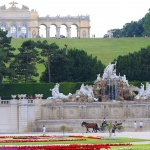 ÖSTERRIKE 2015 Schönbrunn slott fontänen 150 dpi