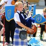 ÖSTERRIKE 2015 Schönbrunn slott Skottsk musiker 150 dpi