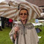 Hovdala Jola med paraply 150920