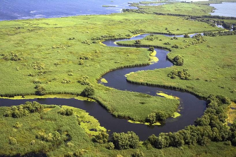 Donaudeltat från ovan (bilden hämtad från internet). Har ännu ingen fotodrönare!