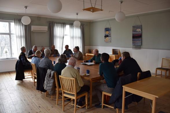 16 stycken deltog på årsmötet.