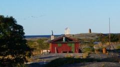 Horsstens vita fyr ligger på öns västra udde. Foto: Yvonne Blombäck