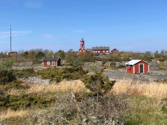 Svenska Högarna - ett av Värmdö Fågelklubbs årliga  exkursionsmål. Bilden är från maj 2021. Foto: Tom Arnbom