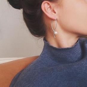Le Pearl Earrings