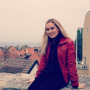 Me outside Vårdklockans kyrka, Visby!