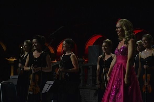 Immediate positive feed-back from the audience!  Hannah Holgersson and Stråkkapellet String Ensemble, Stockholm City Hall.