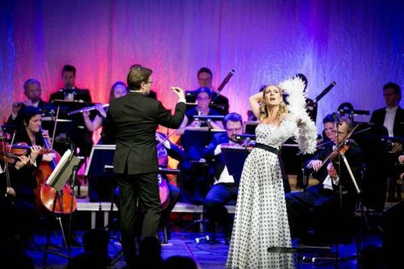Alexander Hanson, Dalasinfoniettan and Hannah Holgersson at the premier night. Photo: Jonatan Svedgård