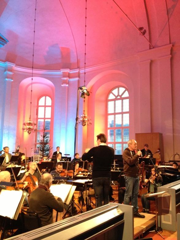 Soundcheck at Säters kyrka. Dalasinfoniettan, Alexander Hanson and Nils Landgren.