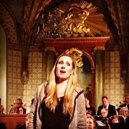 "Hannah Holgersson singing ""Aus Liebe"" during dress rehearsal."