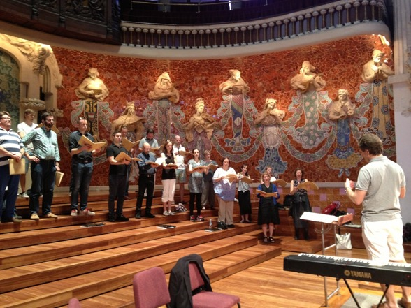 Fredrik Malmberg and the Eric Ericson Chamber Choir duing rehearsal!