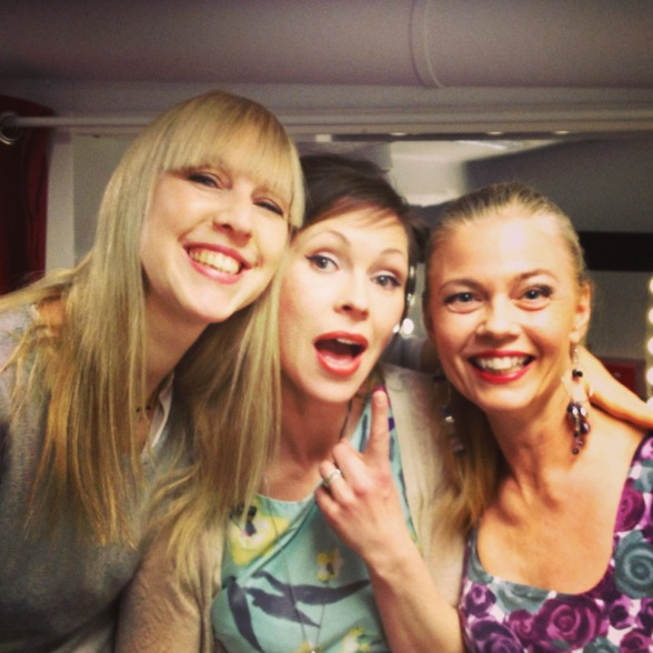 Janna Vettergren, Emma Nilsdotter and Katarina Henryson...my beautiful friends in our dressing room!