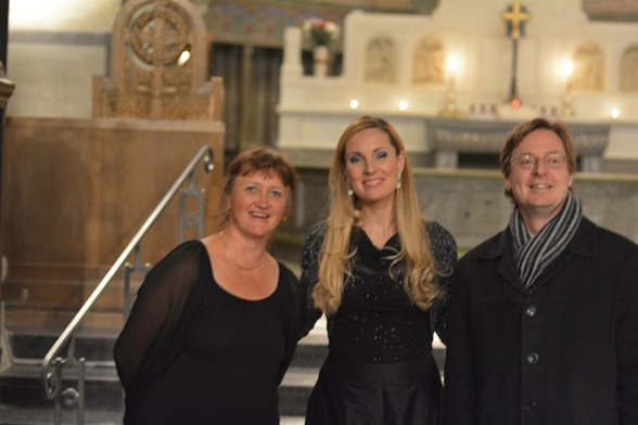 Katja Själander, Hannah Holgersson and Mathias Kjellgren after the concert in Uppenbarelsekyrkan, Saltsjöbaden. Photo: Stefan Själander