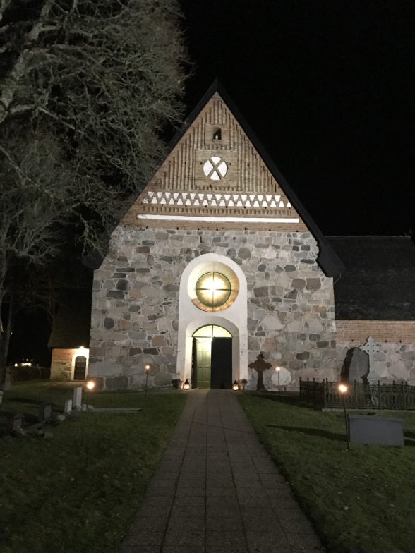Beautiful Rimbo kyrka by night.
