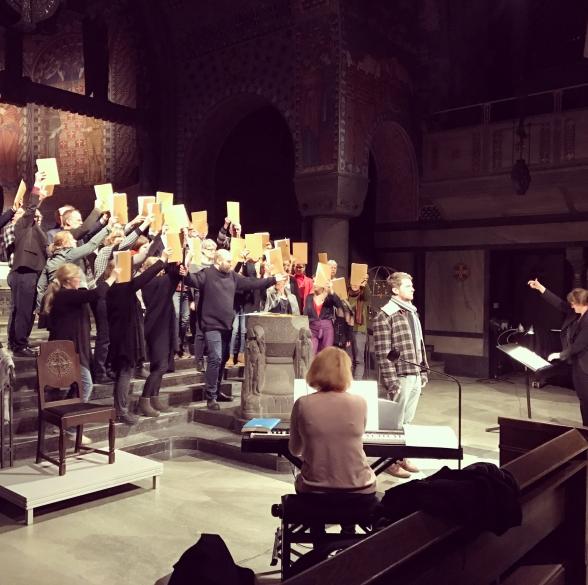 Stage rehearsal of St John Passion in Uppenbarelsekyrkan, Saltsjöbaden. Saltsjöbadens kyrkokör, the chamberchoir Euterpe, conductors Katja Själander and Annika Treborg Wennerström, soloists Jakob Högström and Erik Arnelöf in action.