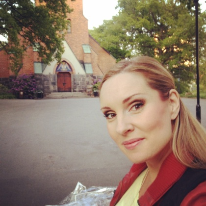 Hannah Holgersson after a successful concert at Nacka kyrka