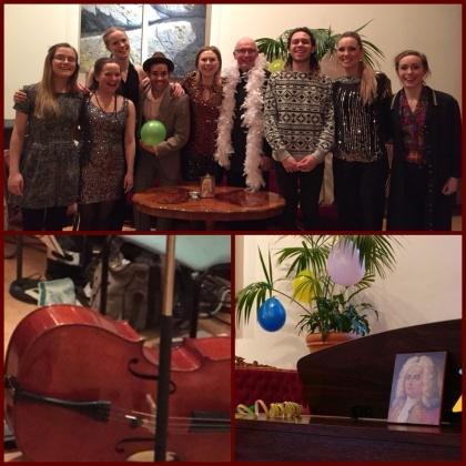 The Händel Party at Bromma Folkhögskola. From the left: Clara Lundström, Isabella Amundsen, Emma Österberg, Dariel Riera, Erika Dahlberg, Göran Nygren (teacher and pianist), Sebastian Lundkvist, Hannah Holgersson, Hedvig Lönnqvist. Missing: Frida Rålin.