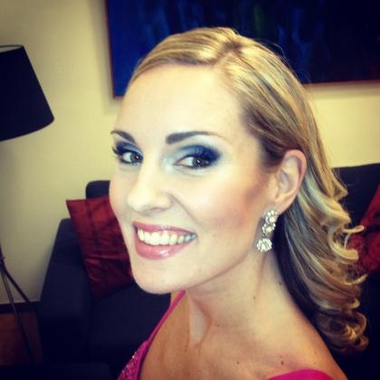 Hannah Holgersson backstage...