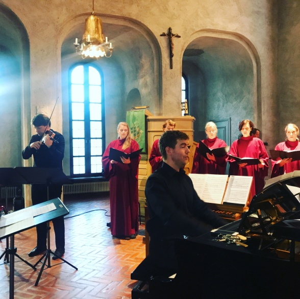 Tobias Ringborg, Essinge Kammarkör and Espen Myklebust Olsen performing Requiem by Ivar Widéen.