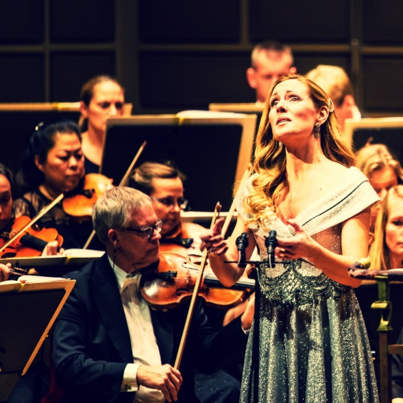 Hannah Holgersson performing Musgrave songs with Norrköpings Symfoniorkester, Stockholms Konserthus.