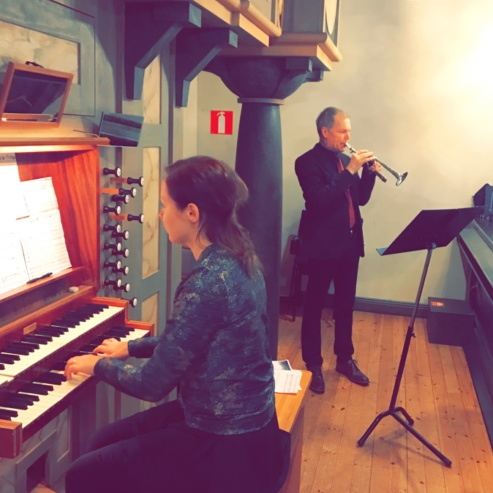 Gundega Novotny and Börje Westerlund at Boo kyrka.