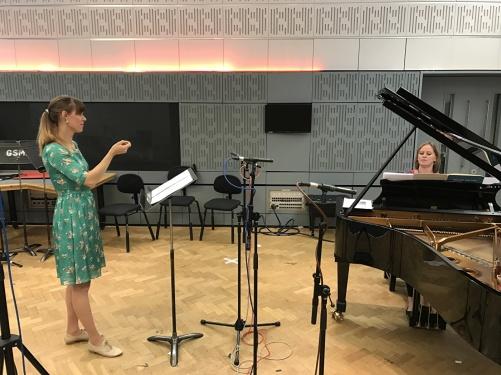Ida Falk Winland and Anna Tilbrook rehearsing