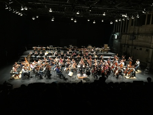 Carolin Widmann (violin) rehearsing with Brad Lubman and NDR Sinfonieorchester at Kampnagel, Hamburg.