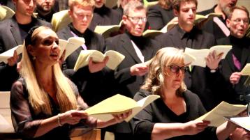 Hannah Holgersson and Marie Olhans in Requiem by Schnittke, Oscarskyrkan, Stokcholm. Photo: Björn Ehnberg