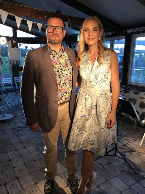 Anders Mårtensson and Hannah Holgersson singing Golden Star again