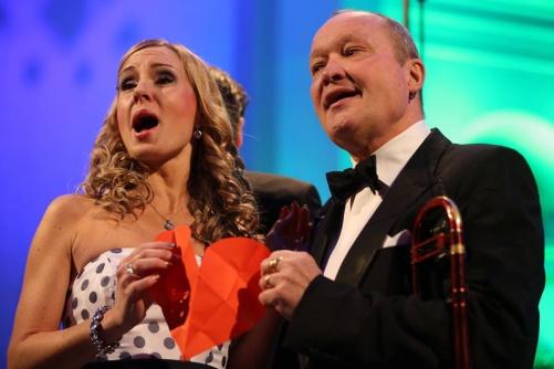 Hannah Holgersson and Nils Landgren in a love duet. Photo: Bengt Jägerskog