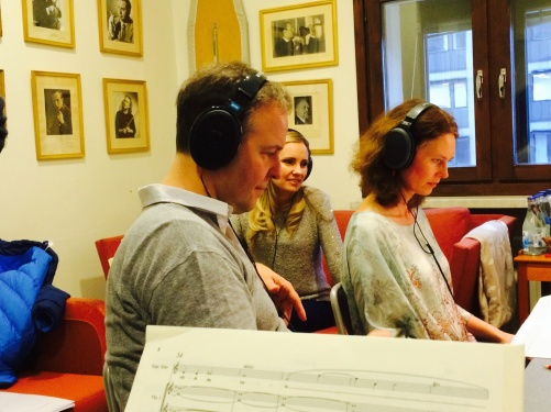 Sakari Oramo and Hannah Holgersson listening to one of the recording takes. Photo: Anders Hillborg