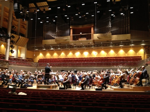 During rehearsal with the Royal Stockholm Philharmonic Orchestra and Sakari Oramo. Anders Hillborg himself at the audience seat!