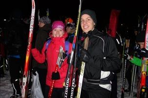 Står i kör för att lägga skidorna i startfållan