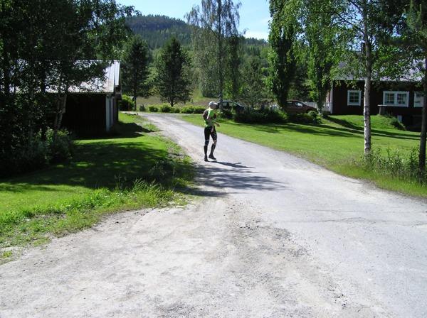 På väg upp mot Lidnipan