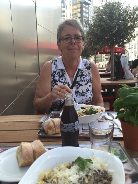 Tillbaka i Solna gjorde vi sista pastapreppen på Vapiano. Jag blev olidligt glad när det var det första jag såg när vi lämnade hotellet. Älskar konceptet. Älskar maten. Pasta och bröd och coca-cola. Länge leve kolhydrater.