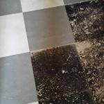 Golv med asbest i svartlimmet