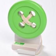 Trä-knapp med tråd/nål