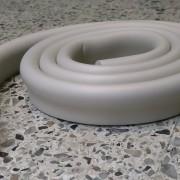 Skyddslist U-form grå 2 meter