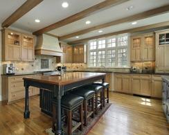 Måla kök och köksluckor med chalk paint (kalkfärg, kritfärg). Photo © pics721